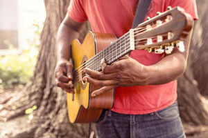 gitarre-spielen-nach-noten-christian-konrad